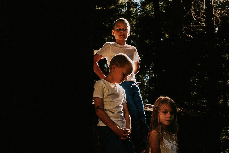 sesja rodzinna naturalna w lesie 35